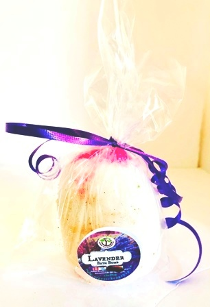 Bath Bomb Gift with Essential oils.6-pc.no tax